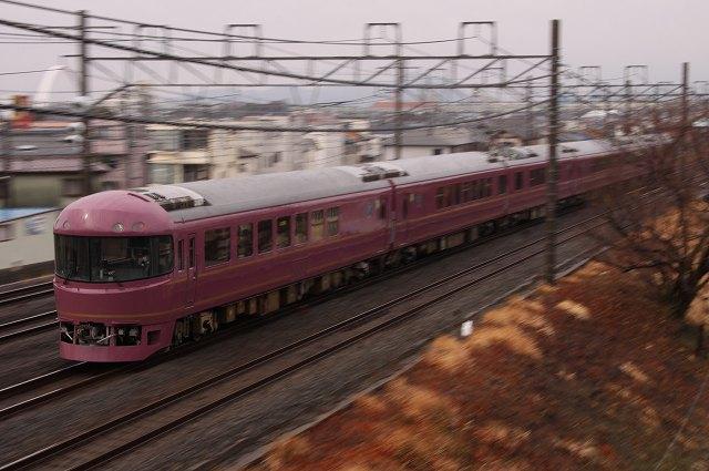 東海道本線で485系改造の「宴」と「やまどり踊り子号」を撮影♪ ('12.2.25)